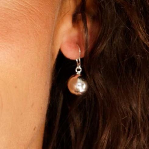 Boucles d'oreilles boule d'argent