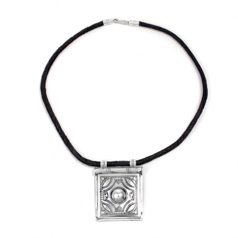 Collier Touareg grand pendentif carré - TOUAREG - Boutique Nirvana
