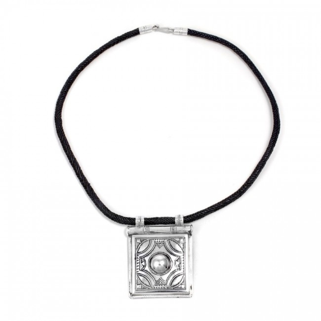 Collier Touareg grand pendentif carré - TOUAREG - Boutique Nirvana