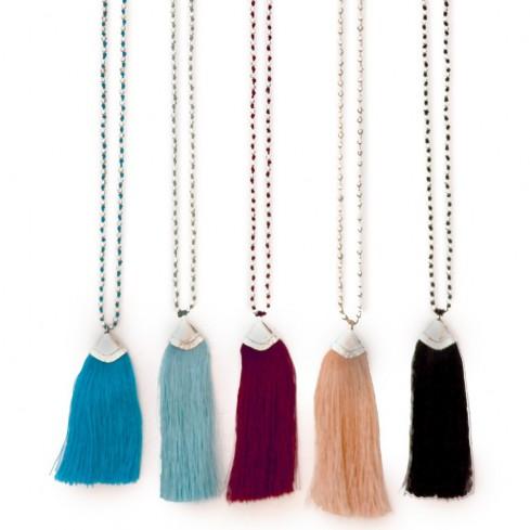 collier perles argentées