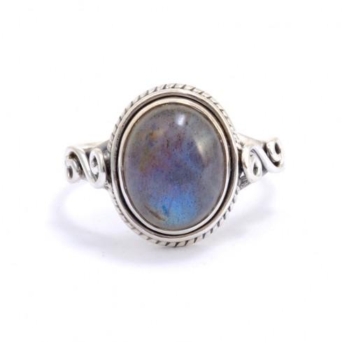 Bague fine en argent pierre ovale Adhi - PIERRES FINES - Boutique Nirvana