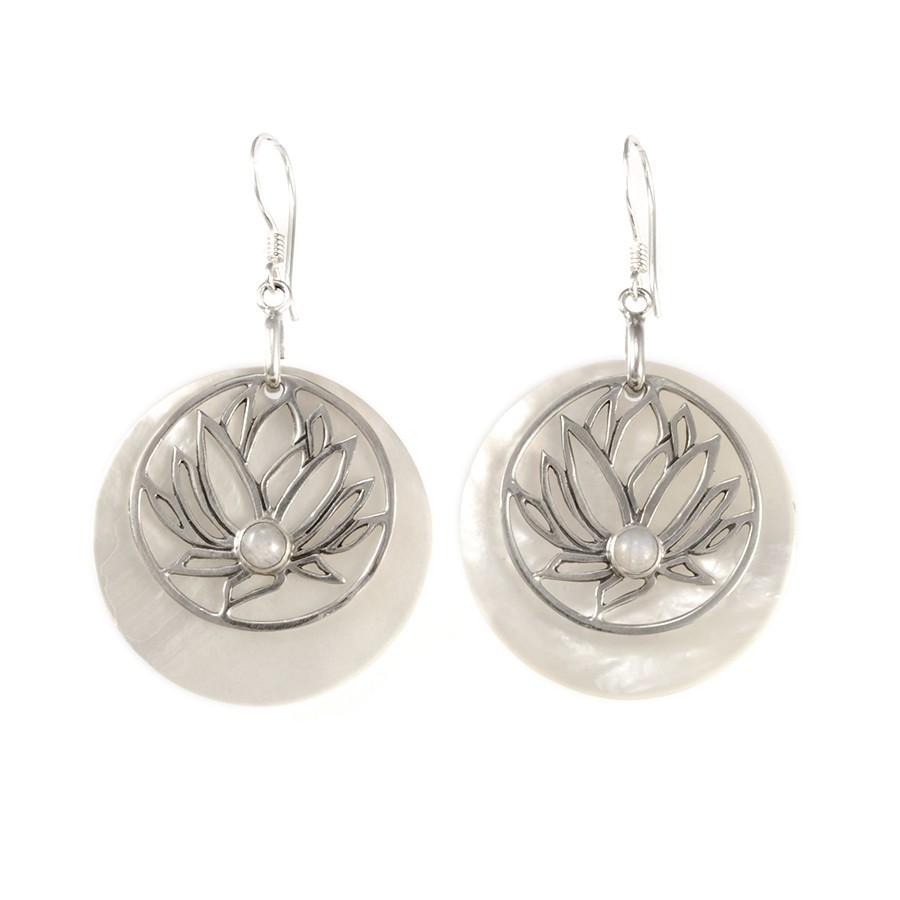 Boucles d'oreilles nacre avec lotus en argent - CORAL & NACRE - Boutique Nirvana