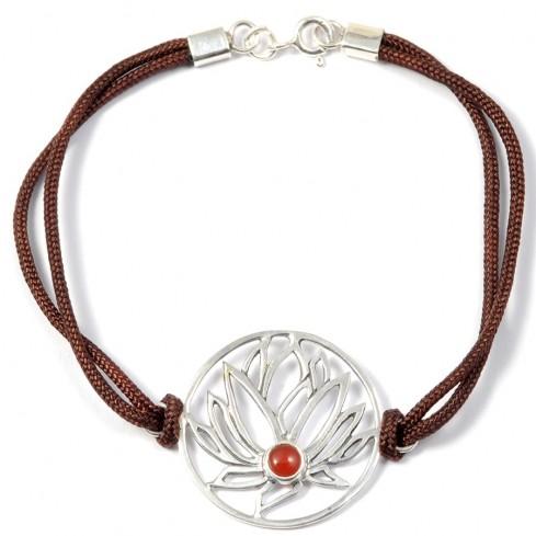 Bracelet cordon marron fleur de lotus  pierre cornaline